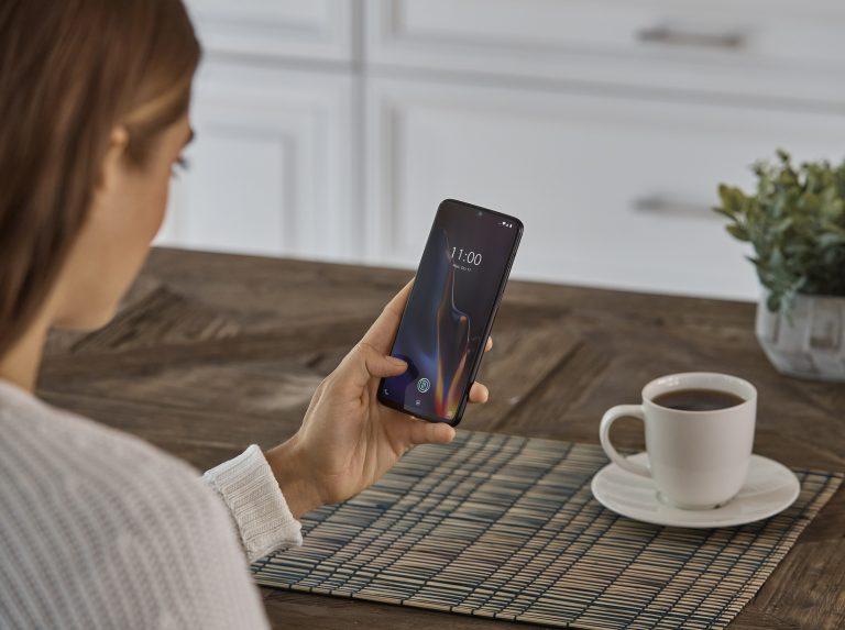 OnePlus introduit son nouveau smartphone, le 6T